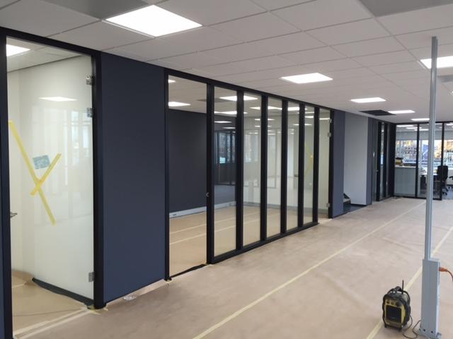 Nieuwbouw kantoor en fabriekshal in Woerden